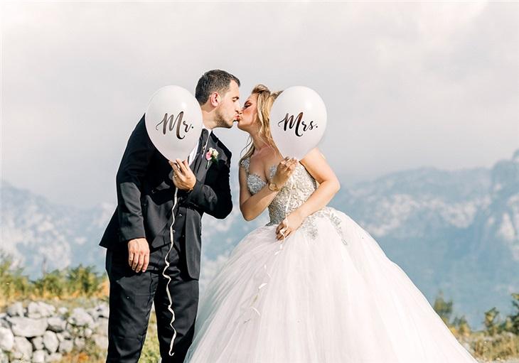 Come scegliere la musica per il matrimonio? Noi di Studio MEM, dal 1981, vi guidiamo nella scelta musicale del vostro matrimonio.